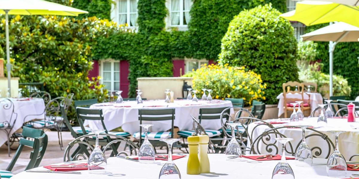 Manoir-de-Gressy-hotel-02